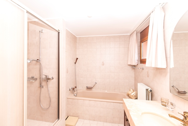 Appartement en attique de 5.5 pièces au 3ème étage