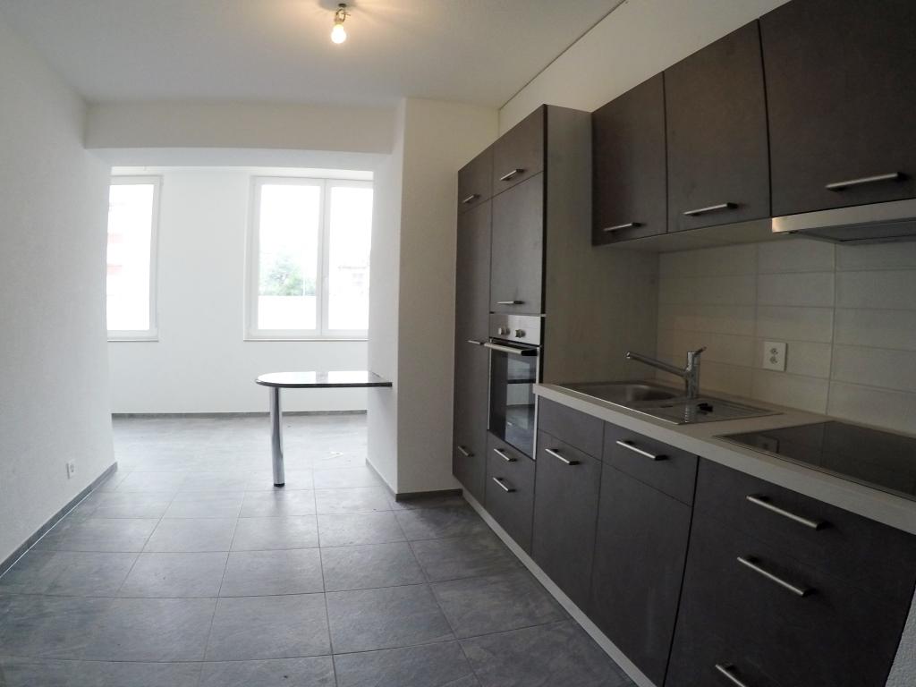 Appartement rénové de 2 pièces au 1er étage
